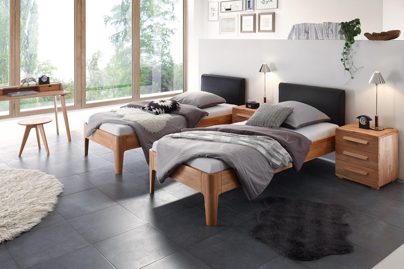 Einzelbett auch hochwertigem Massivholz mit Kopfteil selbst konfigurieren bei Sitec Schlafsysteme